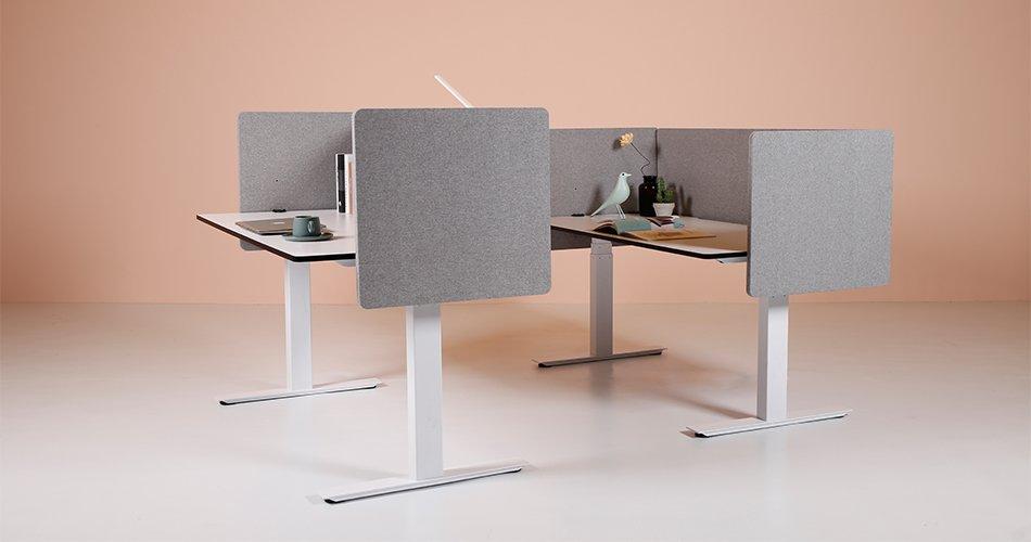 three legs lifting desks