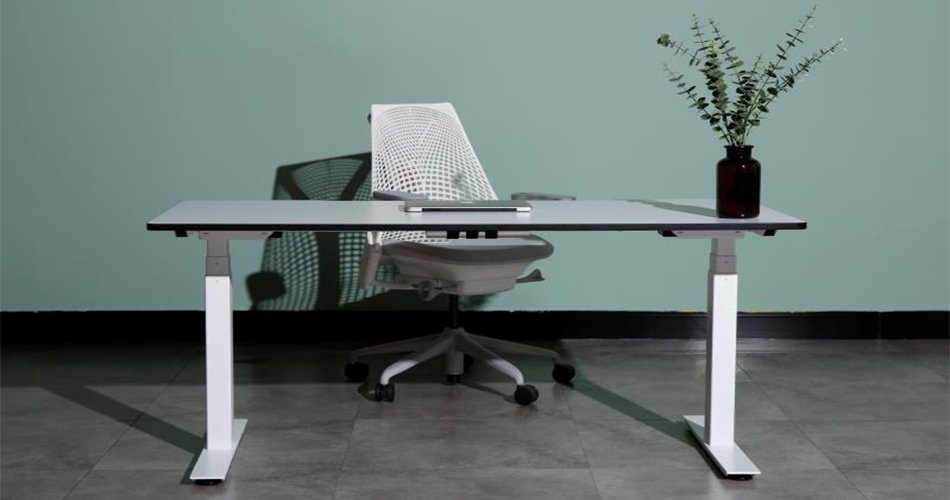 two legs lifting desks